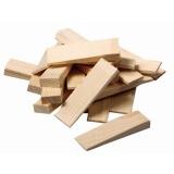klínek montážní dřev.100x25x16-1mm (14ks)